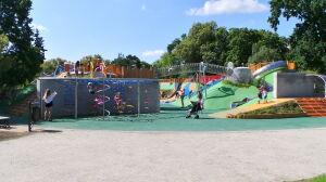 Park Ujazdowski: plac zabaw otwarty dwa lata po terminie
