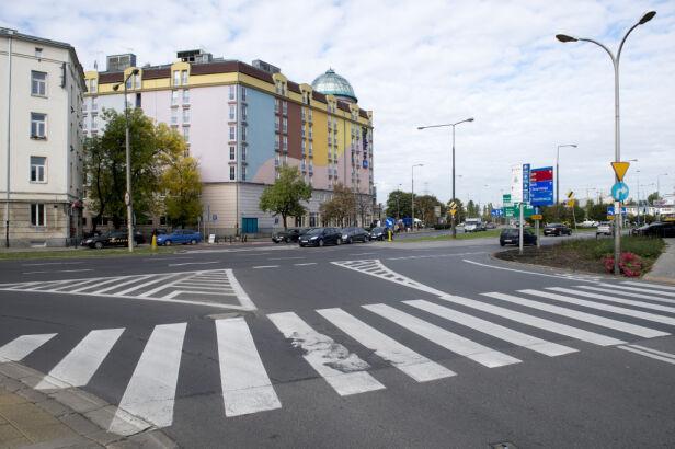 Skrzyżowanie Raszyńskiej z Koszykową  ZDM