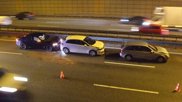 Cztery auta zderzyły się na trasie S8