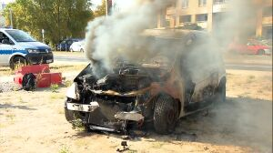 """W proteście """"spalili"""" auto. Chcą wznowienia remontu na Rosoła"""