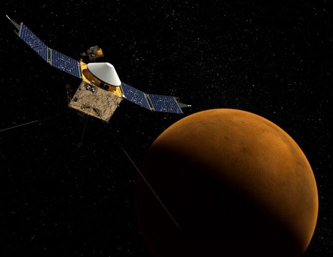 Wizualizacja sondy MAVEN na orbicie Marsa