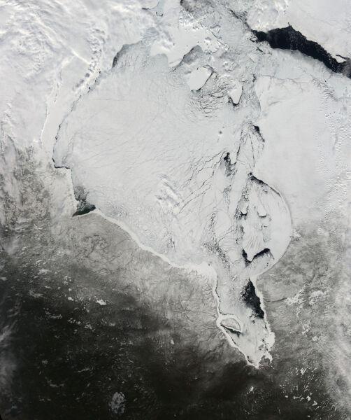 Zatoka Hudsona i okolice, oryginalny widok satelitarny z kwietnia (NASA)
