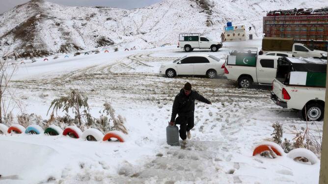 Zima zabiła ponad 40 osób w Afganistanie i Pakistanie